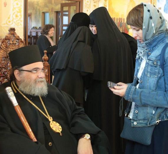 «Монашествующие должны держаться вместе и быть единодушными».