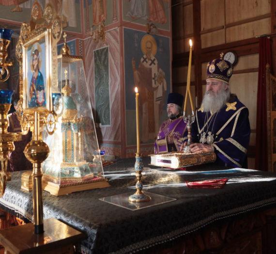 Архиепископ Феогност возглавил Литургию в Покровском Хотькове монастыре.