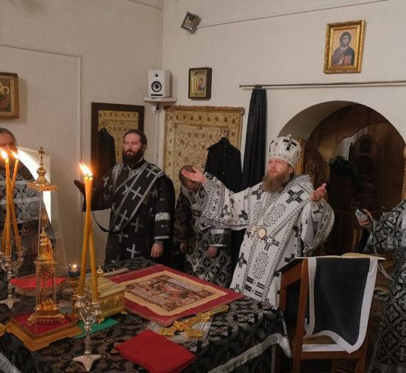 Митрополит Савва возглавил Литургию Преждеосвященных Даров в Вознесенском Оршином монастыре Тверской епархии.