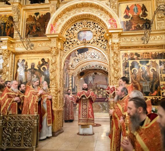 Епископ Парамон возглавил в Троице-Сергиевой лавре празднование Пасхи Христовой.