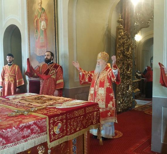Митрополит Ювеналий совершил Литургию в Новодевичьем монастыре Москвы.