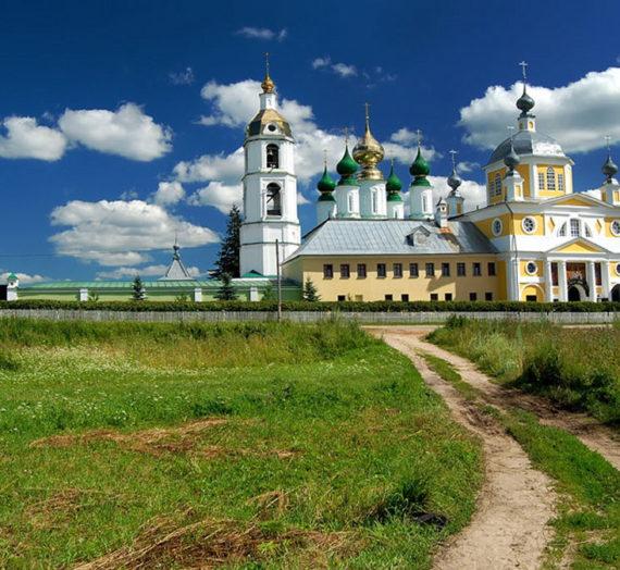 Николо-Шартомский монастырь Шуйской епархии помогает малообеспеченным семьям.