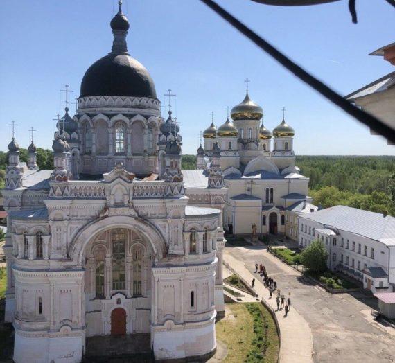 Праздник Преполовения Пятидесятницы в Казанском женском монастыре
