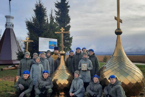 Освящение куполов для храма великомученика Георгия Победоносца на острове Фомино, что на оз.Селигер близ Богородицкого Житенного монастыря